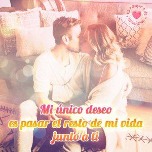 enamorados besándose junto a frase de amor