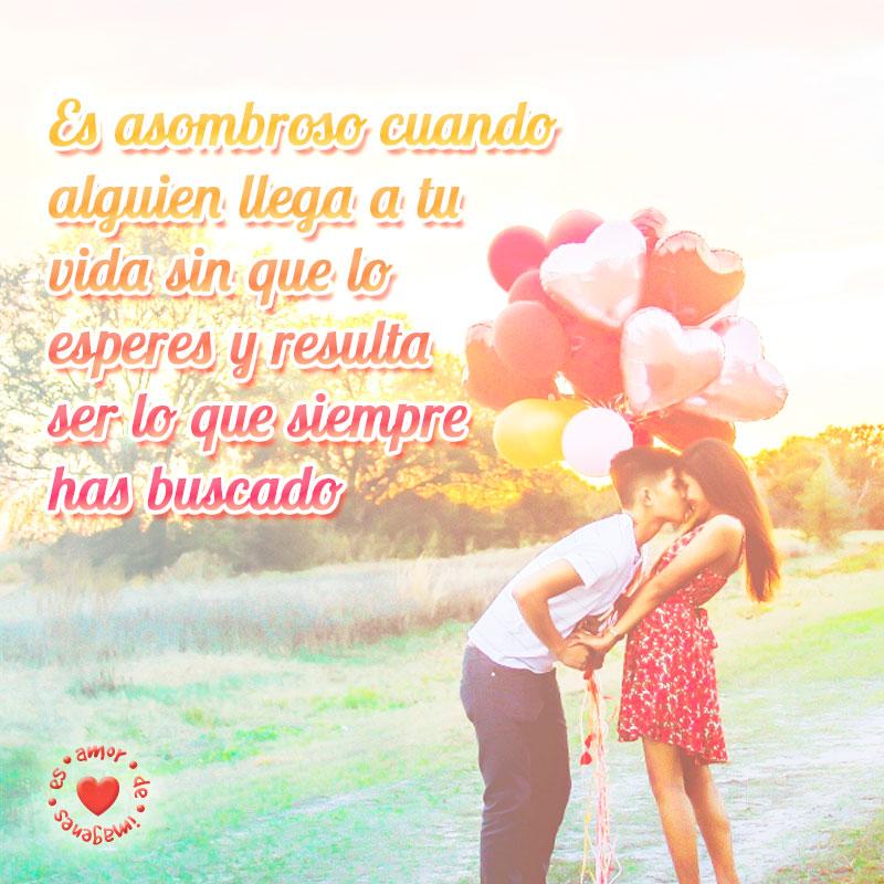 hermosa imagen de pareja con globos y frase de amor
